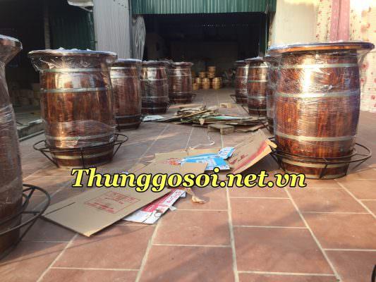 thùng rượu bàn bar