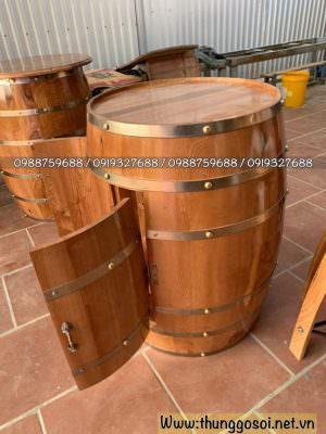 bàn ghế thùng rượu bar được sản xuất tại cssx thùng gỗ lê điệp.