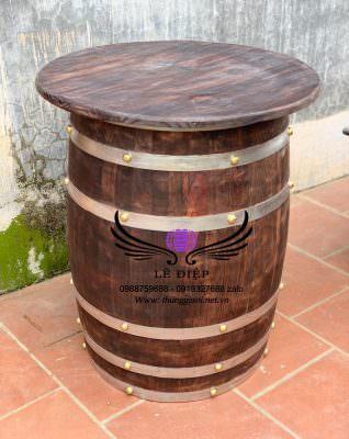 thùng rượu quán bar