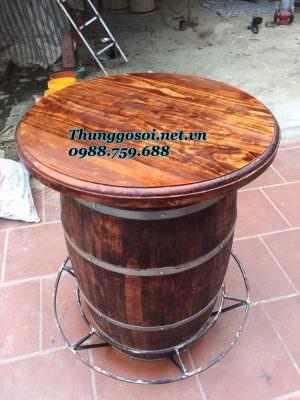 bàn thùng gỗ trang trí quán bar