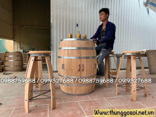 thùng rượu gỗ sồi làm bàn