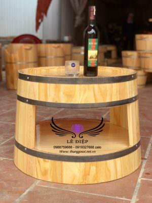 bàn thùng rượu kiểu dáng cho khách ngồi có ngăn bàn