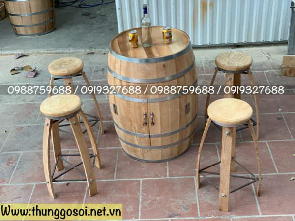 bàn thùng rượu quán bar