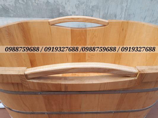 tay nắm bồn tắm gỗ