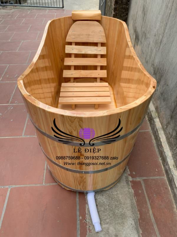 bồn tắm bằng gỗ tạo vẻ sang trọng