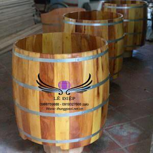 bồn tắm bằng gỗ mít