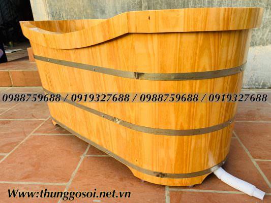 bồn tắm bằng gỗ thông