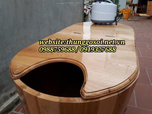 nắp bồn gỗ được soi phào chỉ mềm mại
