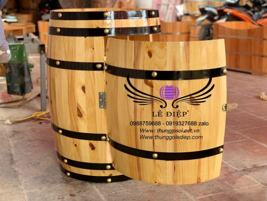cánh cửa thùng gỗ