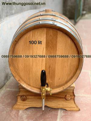 vòi mạ crom lắp trên bom rượu gỗ sồi