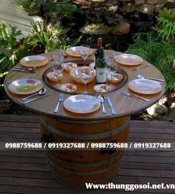 thùng rượu gỗ làm bàn
