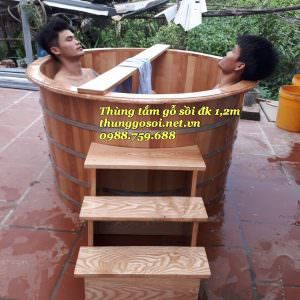 Bồn tắm gỗ sồi resort