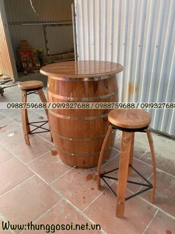 bàn thùng rượu