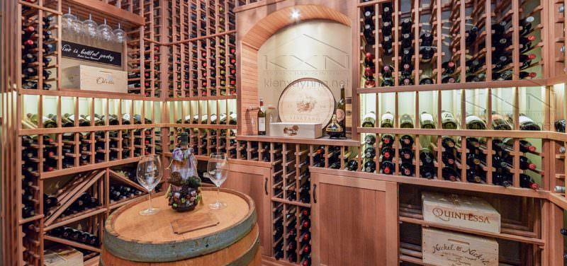 trang trí hầm rượu quầy bar