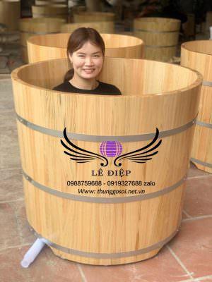 Bồn tắm gỗ tròn