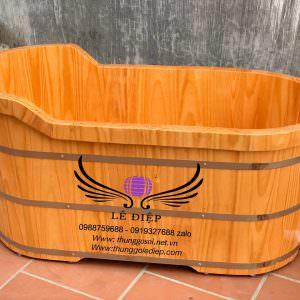 bồn tắm bằng gỗ thông nhật