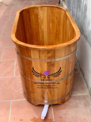 bồn tắm gỗ pơmu dáng nằm
