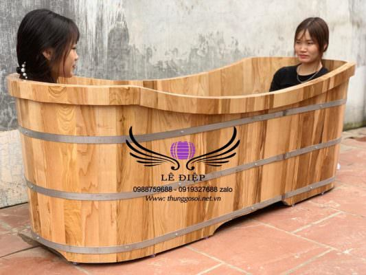 bồn tắm gỗ bầu dục đôi