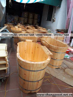 bồn gỗ được lắp đặt trước khi vận chuyển