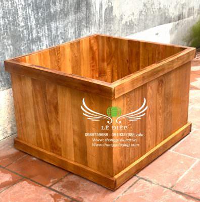 thùng tắm gỗ hình vuông