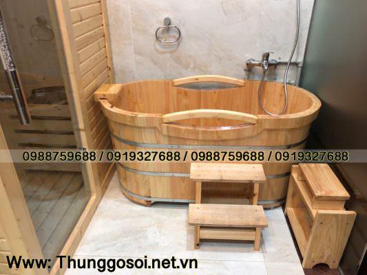 thùng tắm gỗ Lê Điệp lắp đặt cho khách