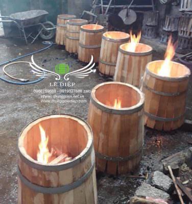 thùng rượu gỗ được uốn lửa, không dùng keo sáp ong