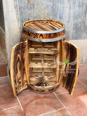 bàn gỗ trang trí quán bar