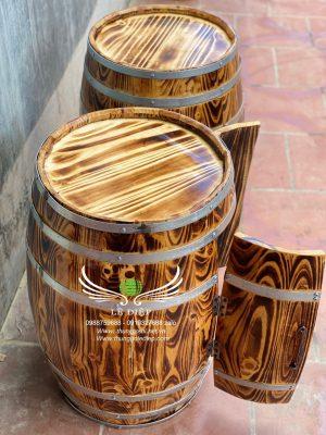bàn bằng thùng rượu