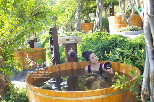 bồn tắm gỗ resort tại Nha Trang