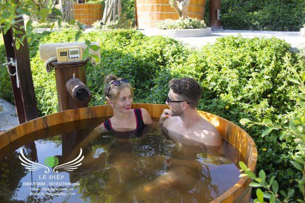 thùng tắm gỗ resort giá rẻ