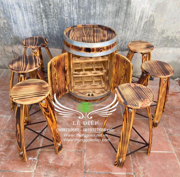 thùng rượu gỗ quán bar