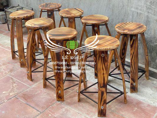ghế bằng gỗ thông
