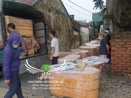 vận chuyển bồn tắm gỗ
