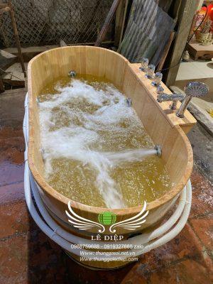 bồn sục massage gỗ pơ mu nhật