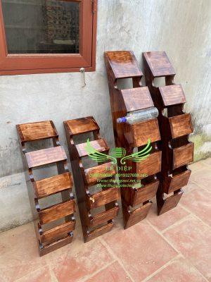 giá đựng chai rượu gỗ thông