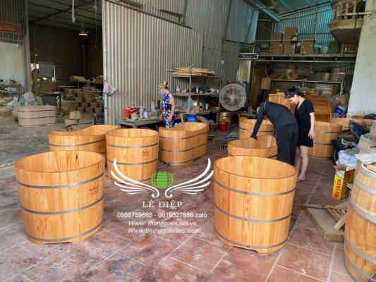 bán bồn tắm gỗ thông