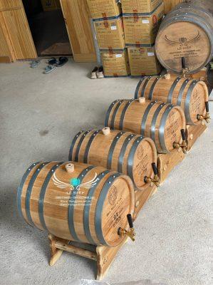thùng ngâm rượu gỗ sồi trang trí