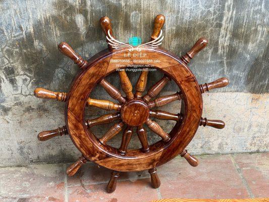 vô lăng lái thuyền
