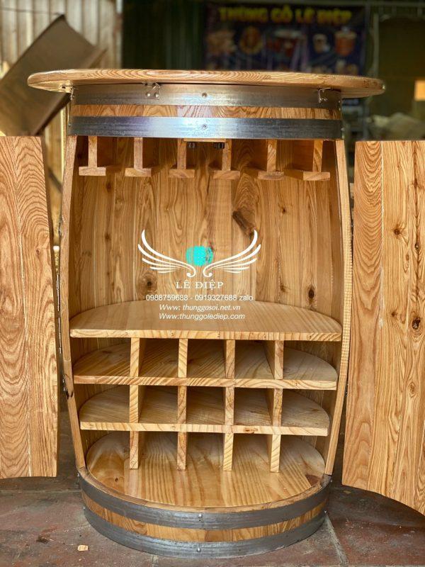 thùng rượu bằng gỗ